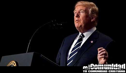 Los ateos han criticado discurso del presidente Trump en Desayuno de Oración Nacional por solo mencionar el cristianismo