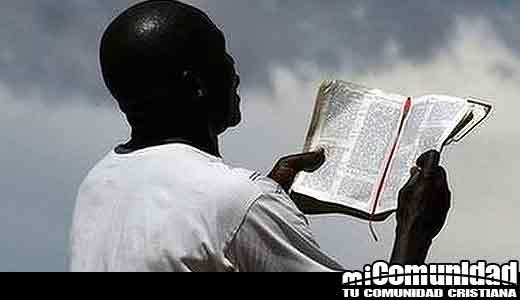 Zimbabue 'prohíbe emisiones de los profetas de la prosperidad' en TV