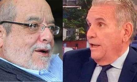 """Los """"poderosos"""" Santiago Cuesta y Fidel Egas se sacan los cueros al sol"""
