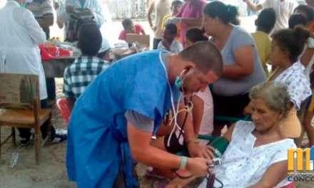 Gobierno termina los convenios con médicos cubanos