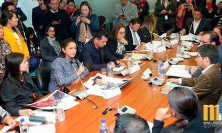 Paola Pabón pide que le dejen trabajar y califica a su situación legal de persecución política
