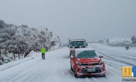 Cae nieve en vía Pifo – Papallacta