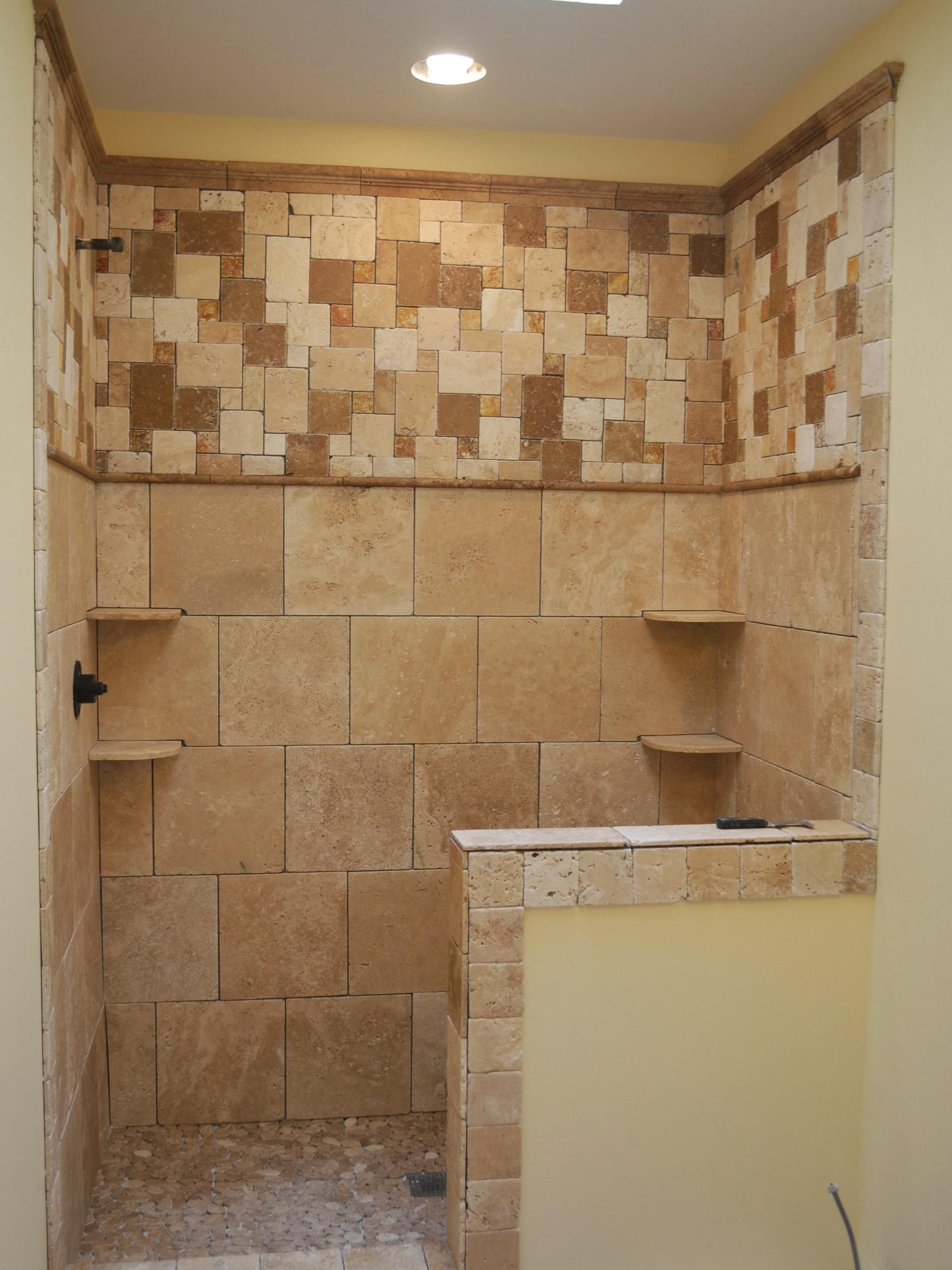 Cmo colocar azulejos en la pared de una ducha  Constru