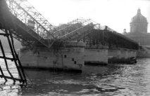 Puente de las Artes Ship crash