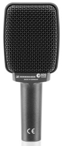 Another one of the best guitar amplifier microphones