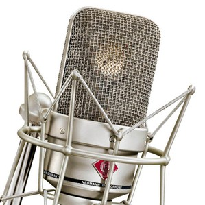 https://i0.wp.com/www.microphonereviews.com/images/content/product/neumann-tlm-49-condenser-studio-microphone/large/Neumann%20TLM%2049_3.jpg