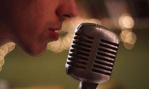 Princesa-Francia-Pineiro-microfono-600