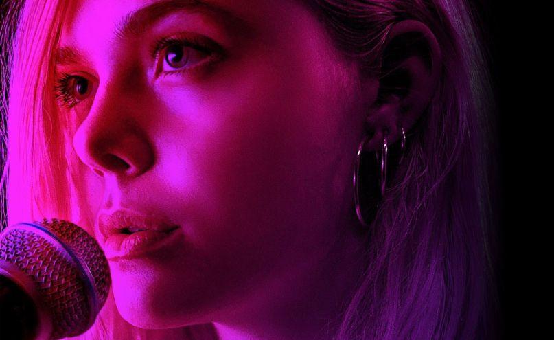 """Estrenos: crítica de """"Teen Spirit: Alcanzando un sueño"""", de Max Minghella"""
