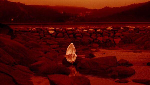 Estrenos online: crítica de «Luna roja», de Lois Patiño (MUBI)
