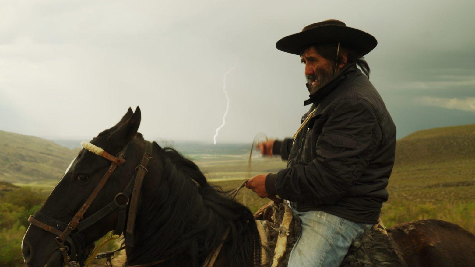 Estrenos online: crítica de «Señales de humo», de Luis Sampieri (Cine.ar)