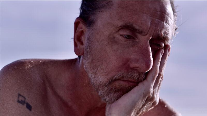 Festivales: crítica de «Sundown», de Michel Franco (Venecia)