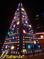 Christmas tree display Pac Man game