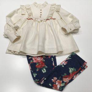 Conjunto de pantalón y bluson de Laura Montaño