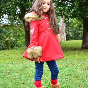 abrigo de coquelin rojo en tejido impermeable