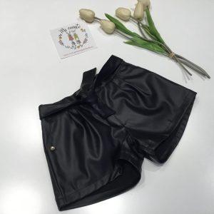 pantalon ecopiel en negro con goma en cintura de mami maria