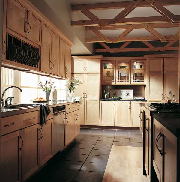 Natural Maple Finish Kitchen Cabinets