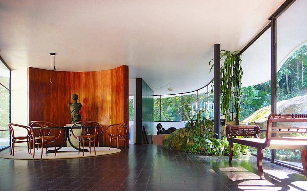The Oscar Niemeyer Das Canoas House Is a Perfect Example of Organic Architecture