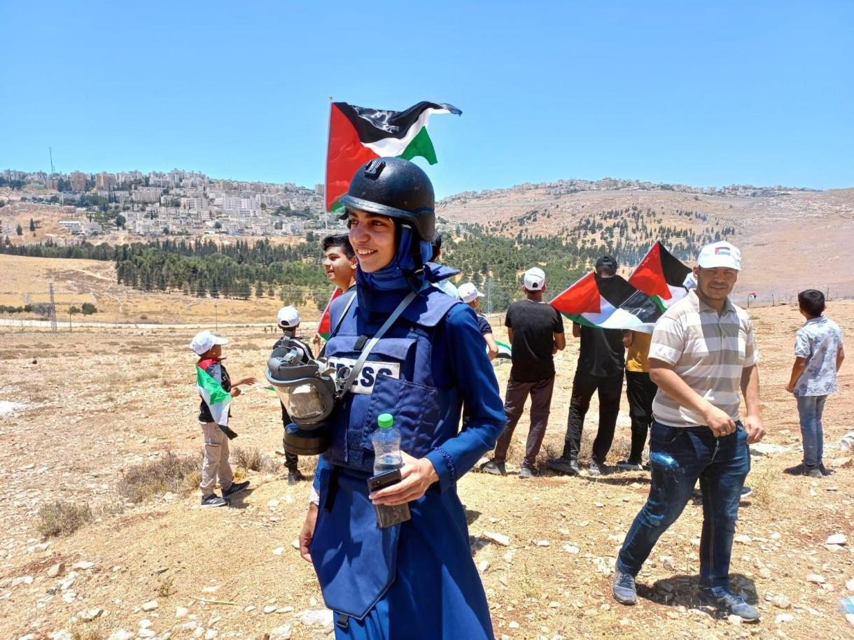 Palestinian female journalists attacked by PA forces