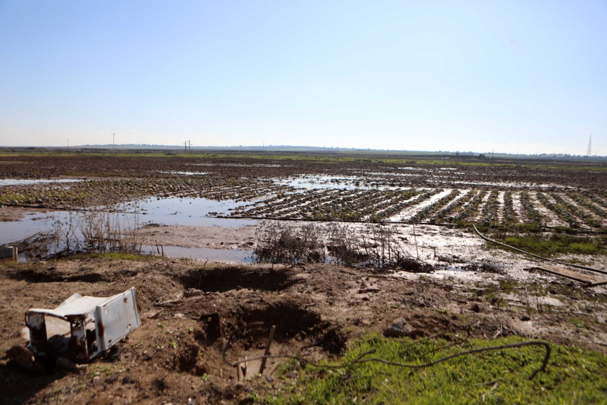 A general view of flooded lands east of Gaza City (MEE/Mohammed al-Hajjar)