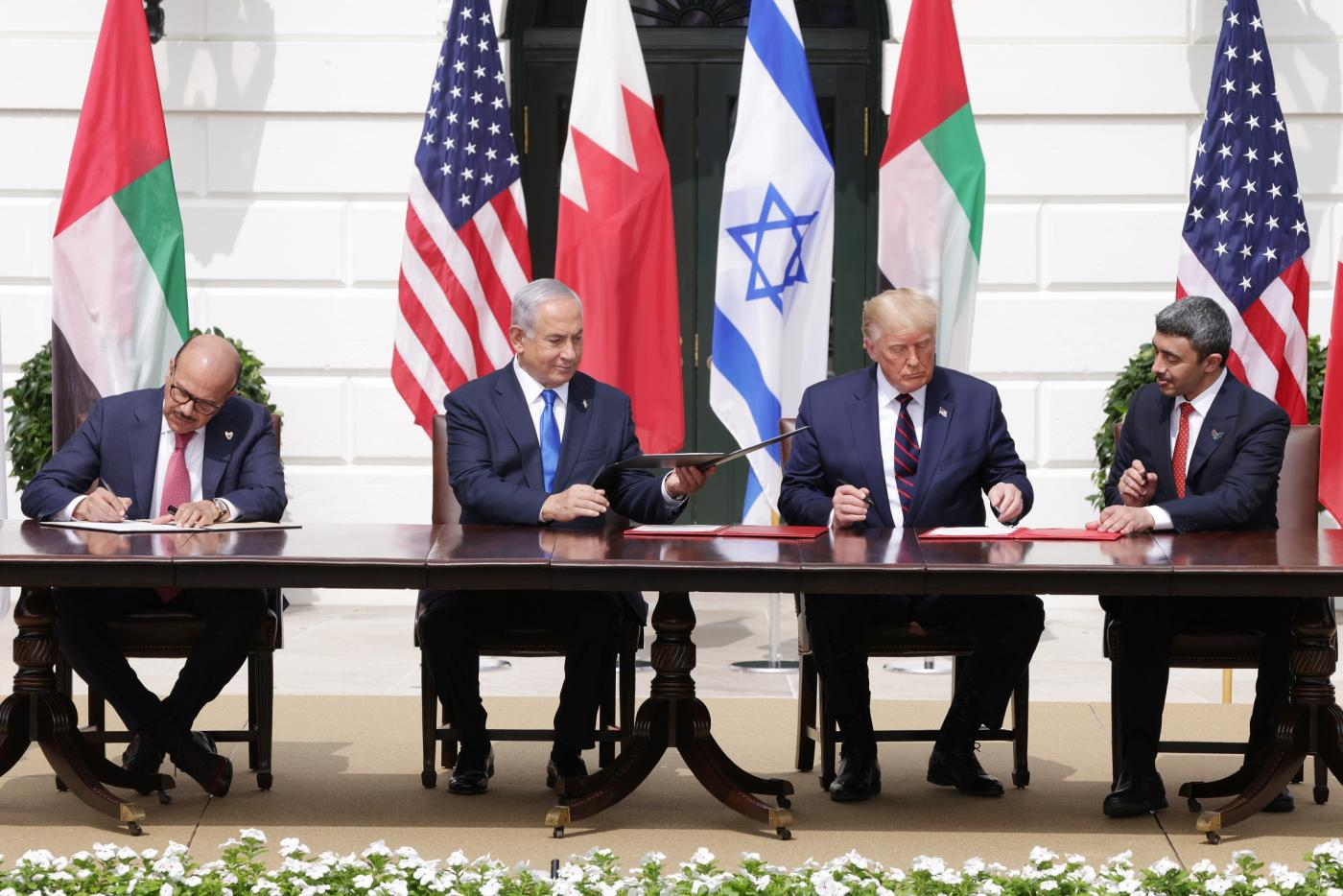 Israel Uae And Bahrain Sign Deal In Washington To Make