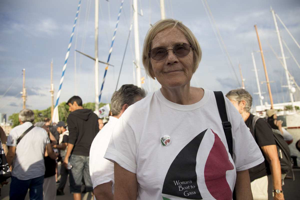 "Ann Wright, member of the crew of Amal-Hope and Zaytouna-Oliva, with only female activists on board, poses before set off for the Gaza Strip from the port of Barcelona under the banner ""The Women's Boat to Gaza"" to break the Israeli blockade on Gaza on September 14, 2016 in Barcelona, Spain. ( Albert Llop - Anadolu Agency )"