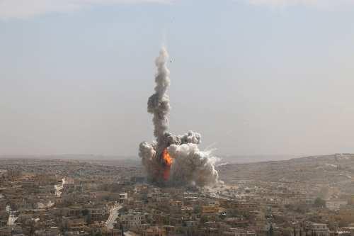 Image of smoke rising from the airstrikes that hit Syria [Anadolu]