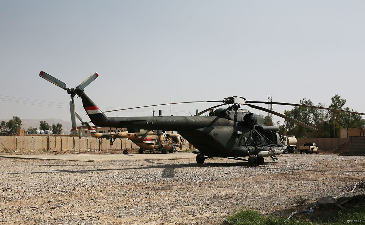An Iraqi military helicopters seen during an operation to carry coalition troops from Nineveh Joint Operations Command headquarters to various parts of Mosul, on October 19, 2016 [Anadolu Agency]