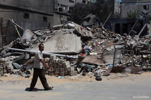 Opposition members attack the Assad regime targets in Dahiyat al-Assad region located in western Aleppo on 28th October 2016 [Beha El Halebi/Anadolu]