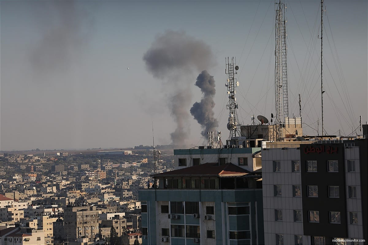 Smoke rises in Gaza after Israeli carried out air strikes [Apaimages]
