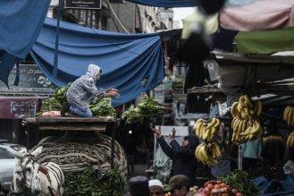 Palestinian children work under difficult conditions due to Israeli embargo over Gaza during the World children's day, on 20 November 2016 in Gaza City, Gaza. [Ali Jadallah - Anadolu Agency]
