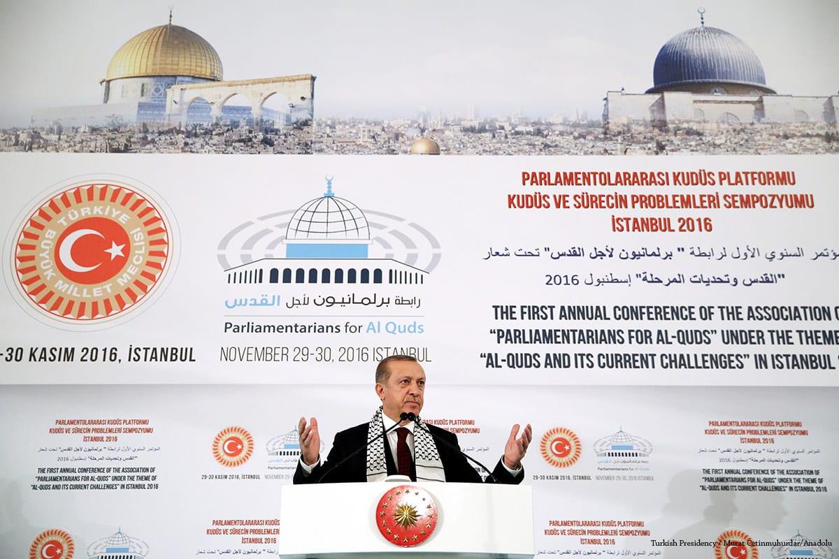President of Turkey, Recep Tayyip Erdogan delivers a speech at the symposium of Inter-parliamentary Platform for Jerusalem, in Turkey on November 29 2016 [Turkish Presidency / Murat Cetinmuhurdar/Anadolu]