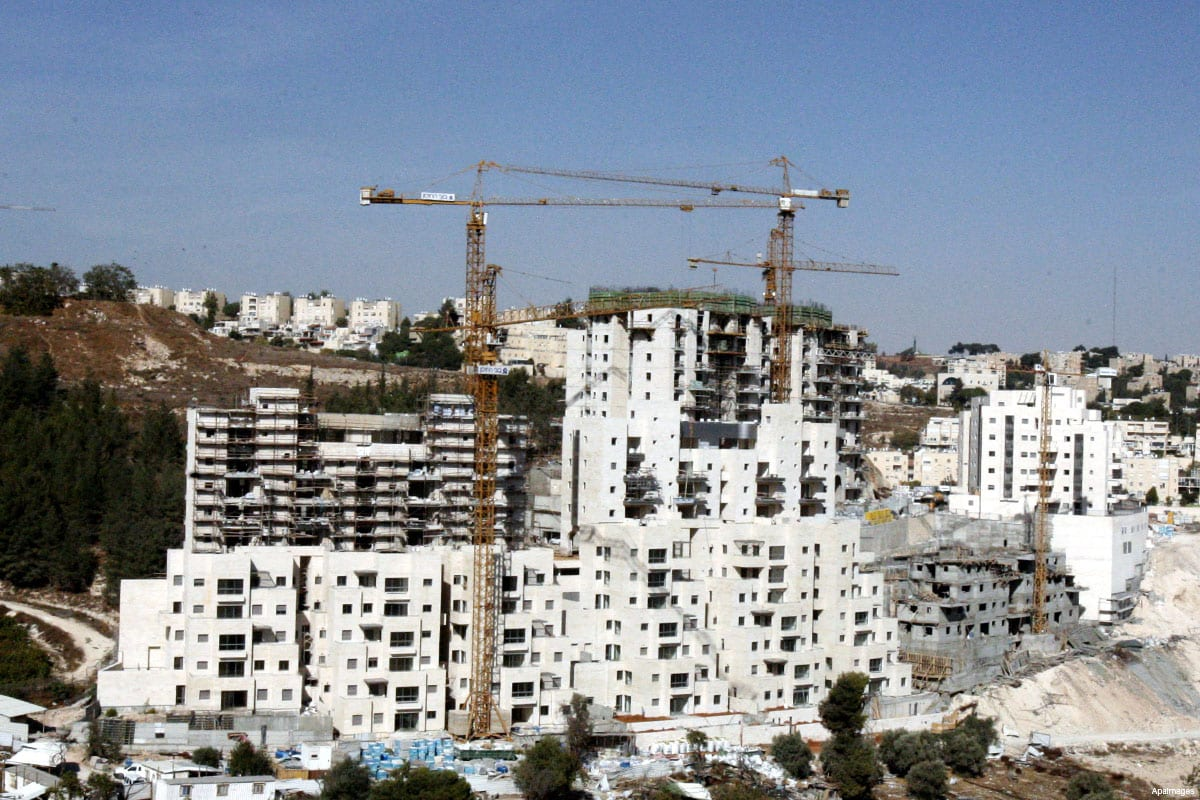 Image from October 2012, showing the work being done at the time to expand the Israeli settlement of Harmoun Hanatsave in Gilo, south of Jerusalem city [Mahfouz Abu Turk / ApaImages]
