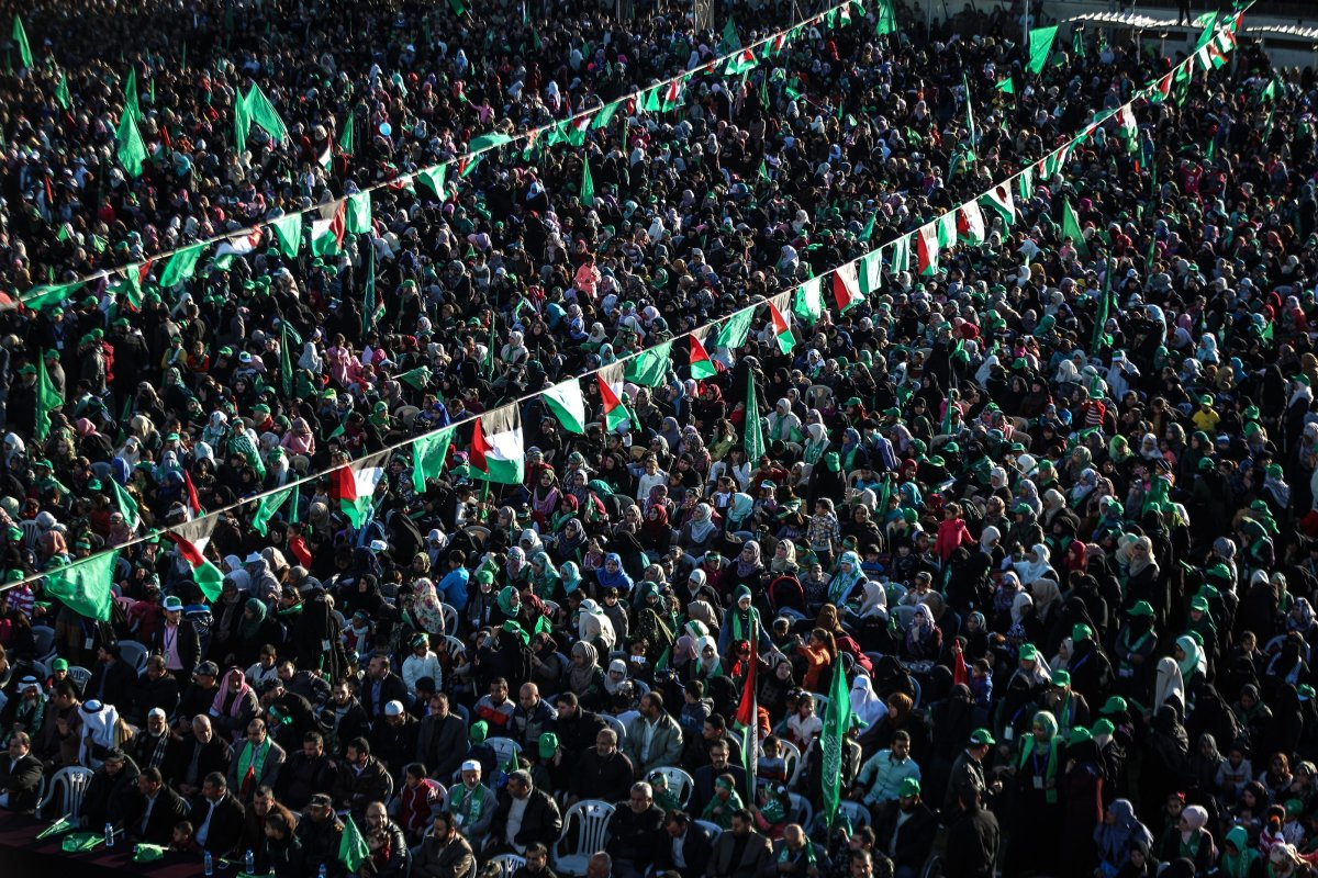 Thousands of people gather to celebrate the 29th anniversary of the foundation of Hamas in Gaza on December 11 2016 [Ali Jadallah / Anadolu Agency]
