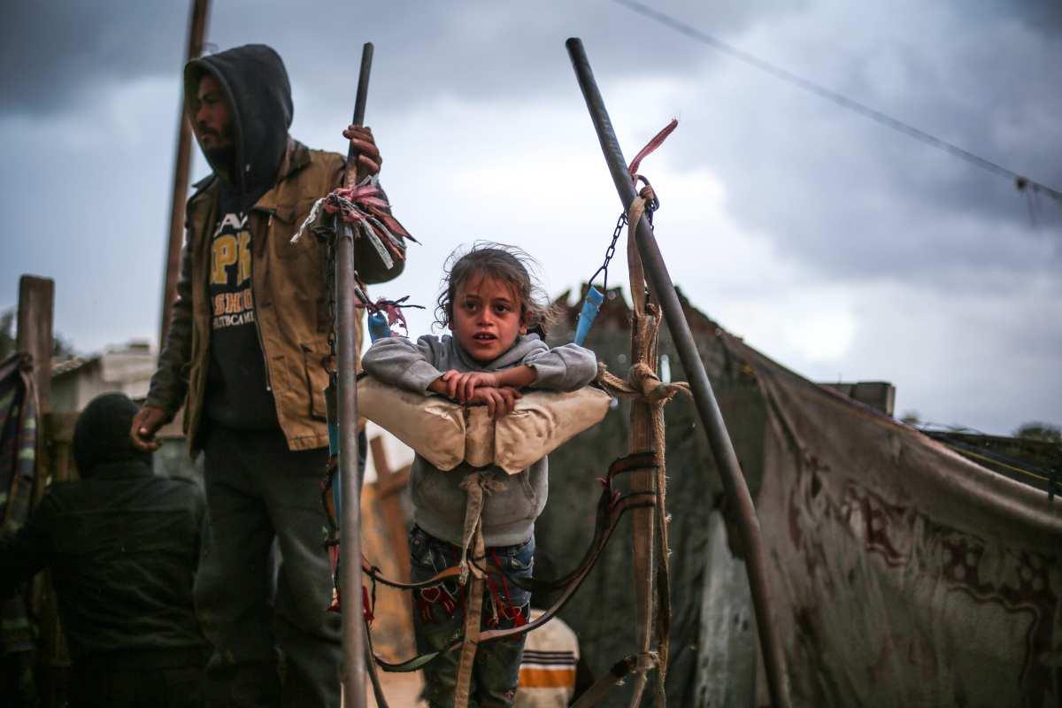 Image of makeshift homes in Gaza on December 14, 2016 [Mustafa Hassona /Anadolu Agency]