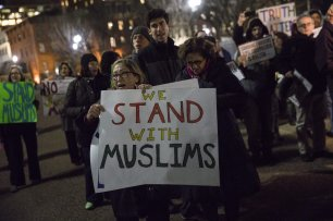 Jews and Muslims march together for solidarity against President-elect Donald Trump in front of the White House in Washington, USA on December 21, 2016 [Samuel Corum - Anadolu Agency]