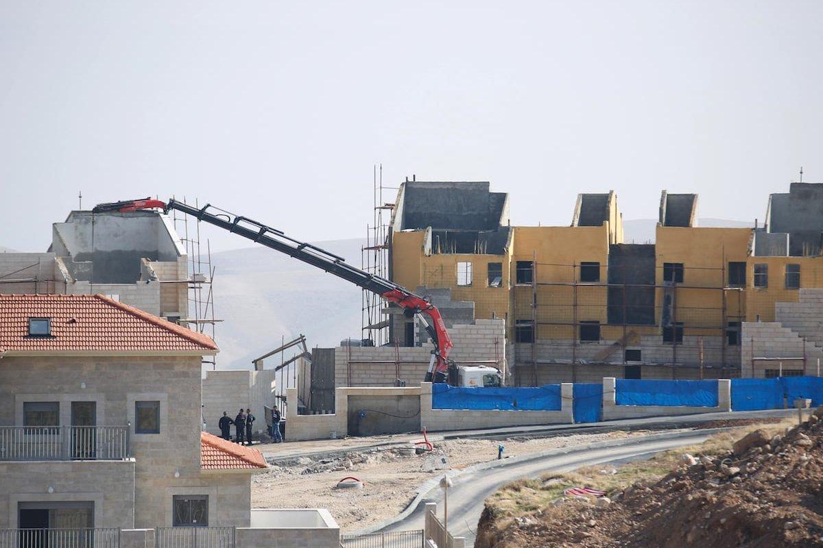 Israeli settlements are under construction on Palestinian land in Jerusalem on December 29 2016 [Daniel Bar On/Anadolu Agency]