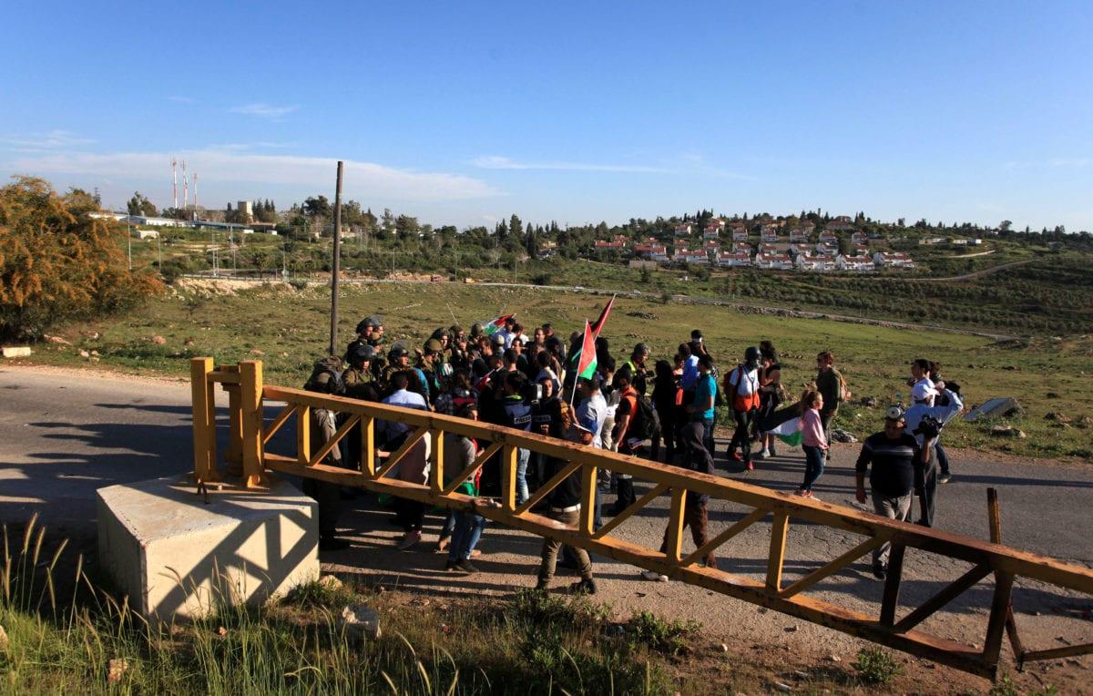 Israeli checkpoint [APA Images]