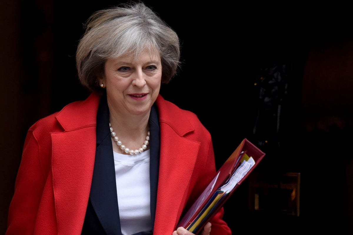LONDON, UK: British Prime Minister Theresa May departs Downing street for Prime Ministers Questions (PMQ's) ahead of this afternoon's Autumn Statement by the Chancellor in London, United Kingdom on 23 November 2016. [Kate Green/Anadolu Agency]