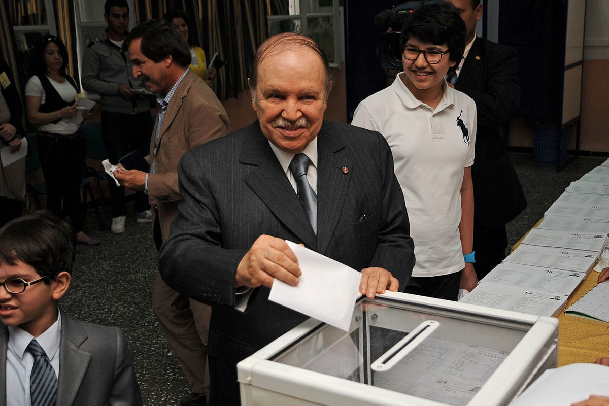 Algerian President Abdelaziz Bouteflika casts his ballot in the legislative elections on May 10, 2012 [Magharebia / Flickr]