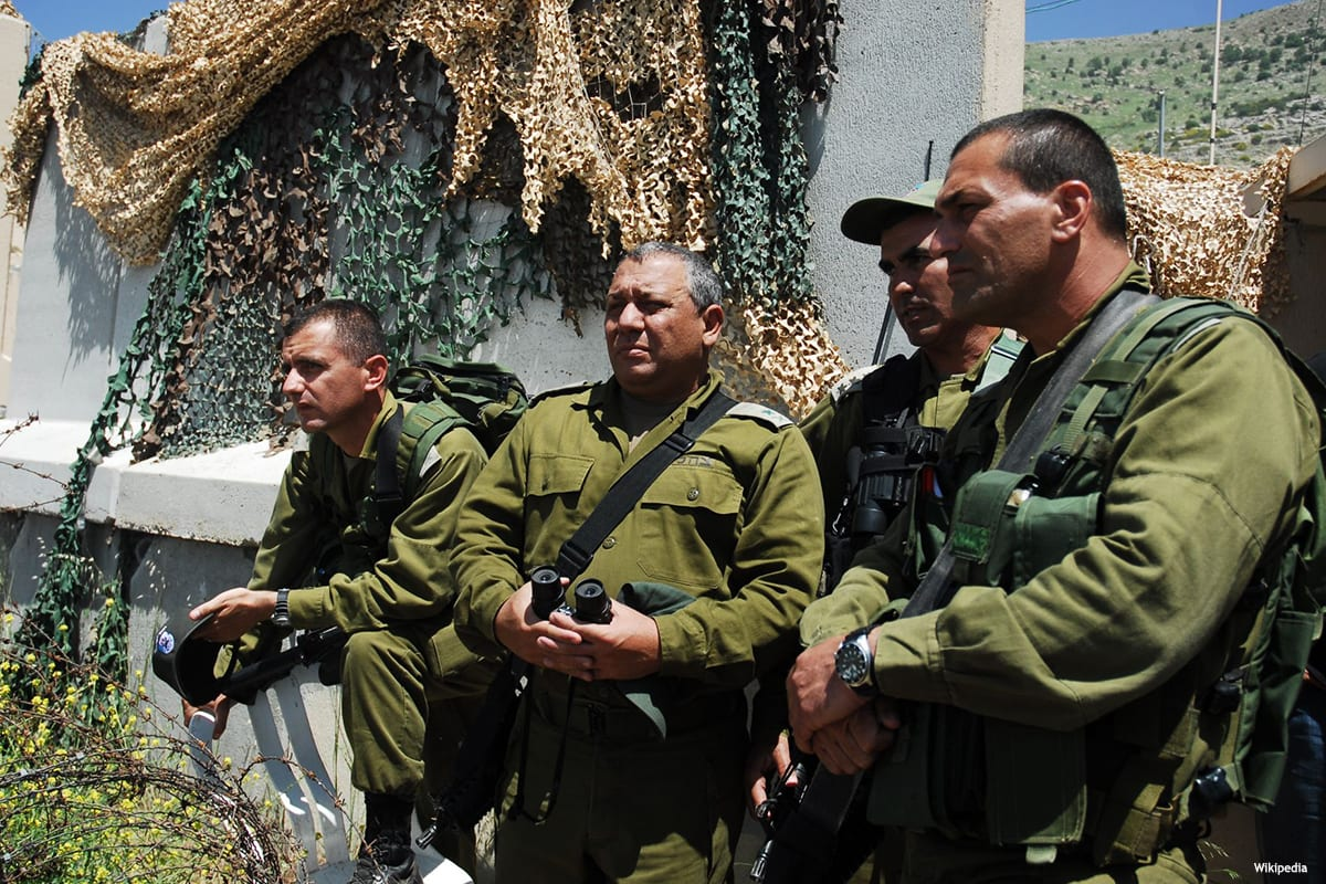 Image of the Chief of Staff of the Israeli army, Gadi Eisenkot (Second Left) and IDF members [Wikipedia]