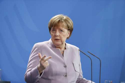 Image of German Chancellor Angela Merkel (C) on 17 February 2017 [Michele Tantussi - Anadolu Agency]