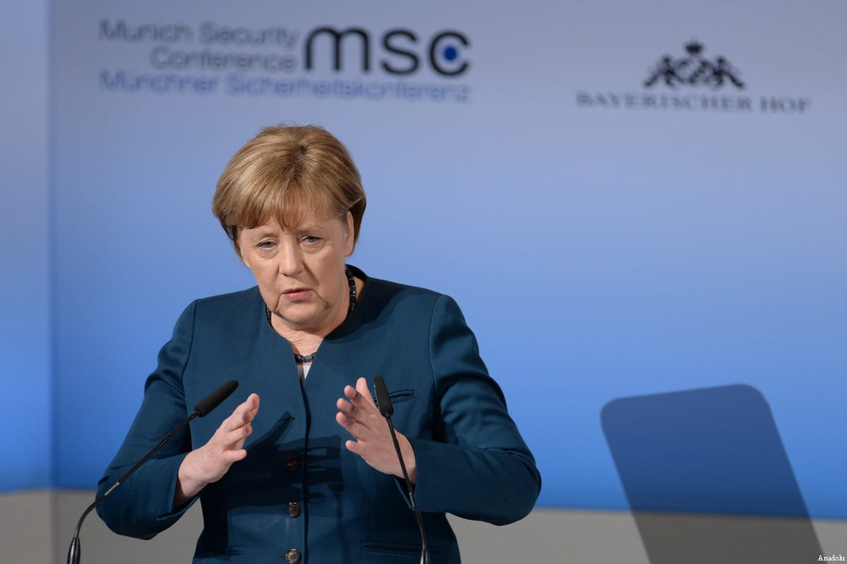 German Chancellor Angela Merkel addresses delegates at the 53rd Munich Security Conference (MSC) at Hotel Bayerischer Hof in Munich, Germany, on Februrary 18, 2017 [Andreas Gebert / Anadolu Agency]