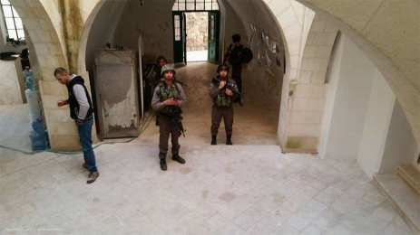 Israeli forces stormed the office of the Palestinian government's Colonisation and Wall Resistance Commission (CWRC) in the Old City of occupied Hebron on 21st February 2017.