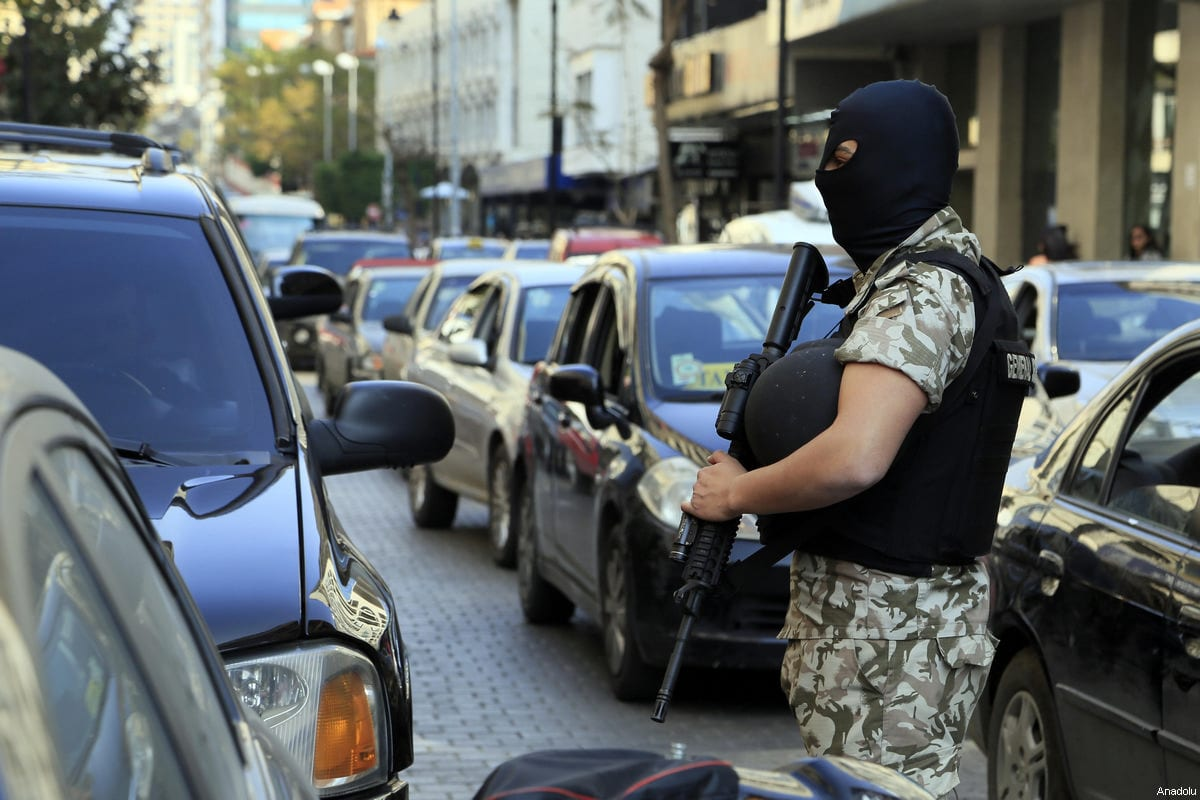 Lebanese security forces carry out an anti-terror operation against certain exchange offices and money transfer companies, which were allegedly transfering money to terrrorists, in Beirut, Lebanon on March 8, 2017 [Ratib Al Safadi / Anadolu Agency]