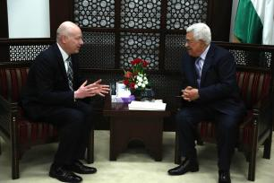 Palestinian President Mahmoud Abbas (R) receives US President Donald Trump's Assistant and Special Representative for International Negotiations, Jason Greenblatt (L) in Ramallah, West Bank on March 14, 2017 (Issam Rimawi - Anadolu Agency )