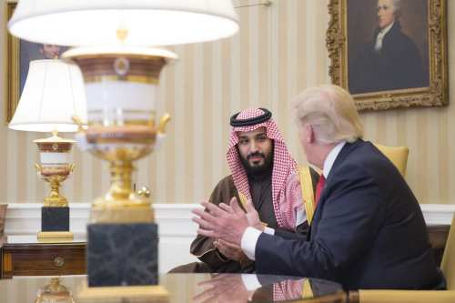 Saudi Crown Prince Mohammad bin Salman Al Saud (L) meets US President Donald Trump at the White House in Washington, US on 14 March 2017 [Saudi Kingdom Council/Anadolu Agency]