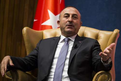 Turkish Minister of Foreign Affairs, Mevlut Cavusoglu (L) speaks during an event hosted by the Turkish Heritage Organization at the National Press Club in Washington, United States on March 21, 2017. ( Samuel Corum - Anadolu Agency )
