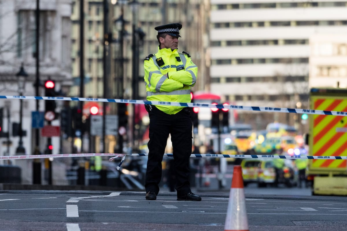 Police take security measures near Parliament square on March 22, 2017 in London, England [Ray Tang / Anadolu Agency]