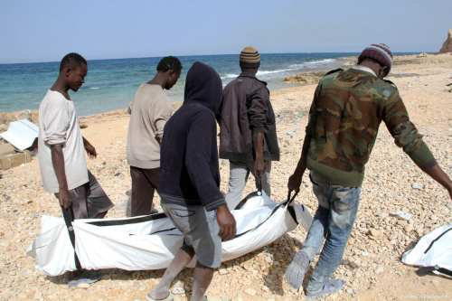 Bodies of drowned refugees are found washed ashore in Libya's Zawiya on 22 February 2017 [Hazem Turkia - Anadolu Agency ]