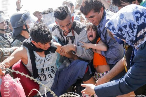 Image of migrants arriving in Greece on 9 September 2015 [Freedom House/Flickr]